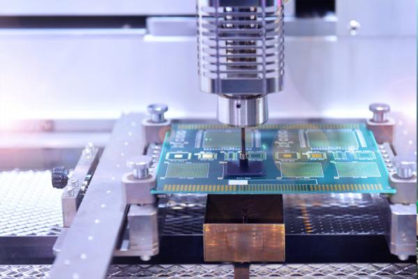 مونتاژ بردهای نمونه با دستگاه